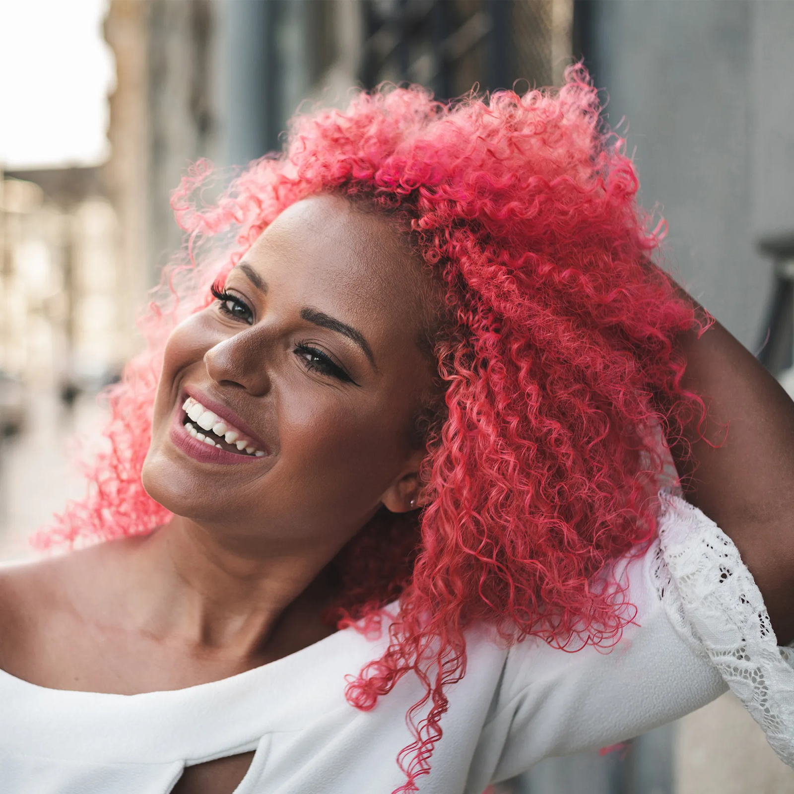 How To Make Your Wig A Little More natural With Spray Dye